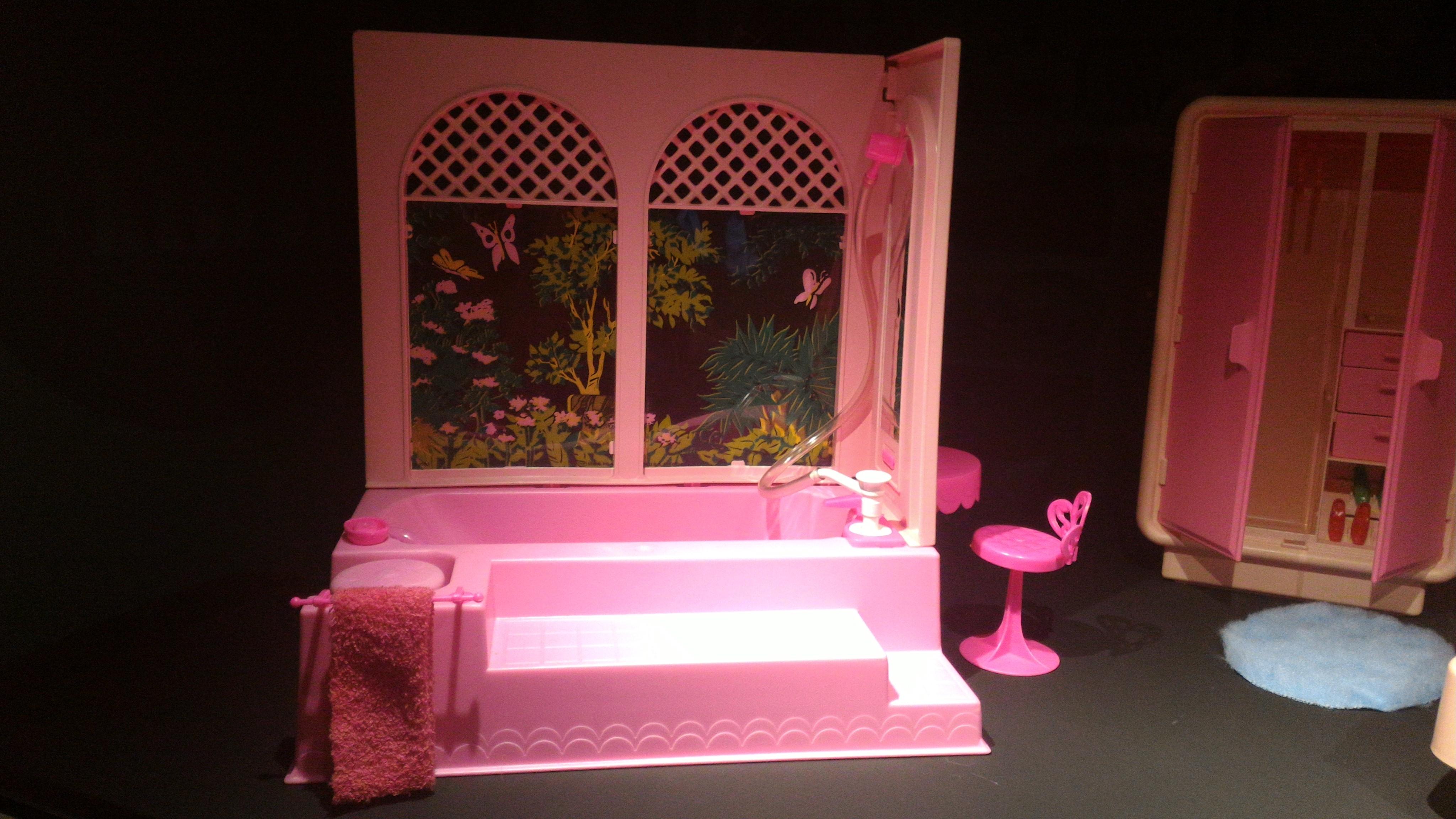 Vasca Da Bagno Barbie : La mostra di barbie barbietheicon u2013 mamma che bello